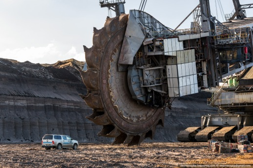 bagger-288-worlds-largest-mining-machine-3
